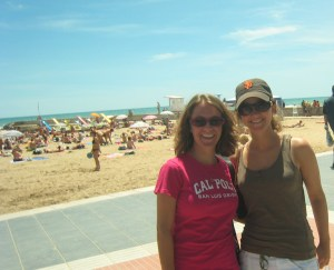 Wendz and I walking along the beach in Sitges